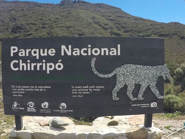 A una hora del Parque Nacional Chirripo / One hour from the Chirripo National Park