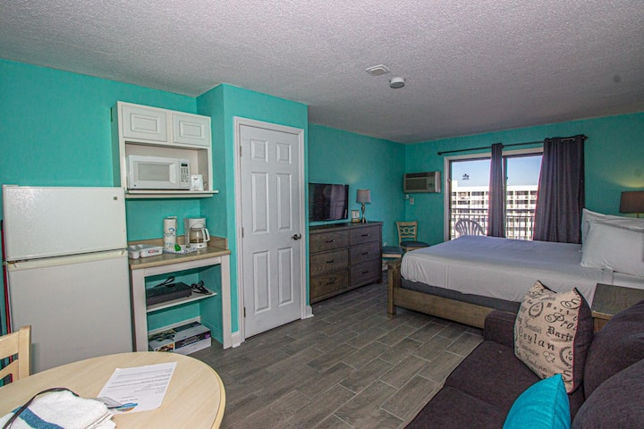 Updated Ocean View Condo - Sea Mist Resort 51402 - King Suite - Perfect for 4!