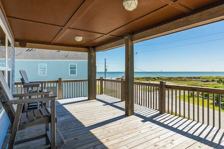 Gulf view home w/ wrap-around deck - one block to the beach, 2 dogs welcome!