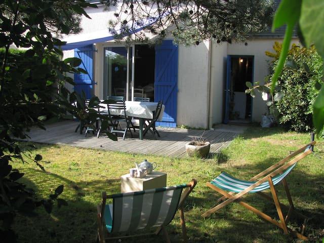 Maison de bord de mer dans résidence  avec piscine - Sarzeau - Huis