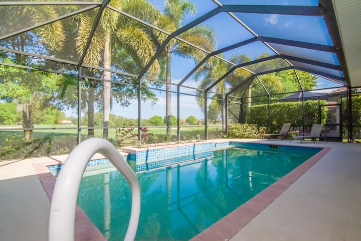 Gorgeous Pool Home on the Golf Course in Naples!
