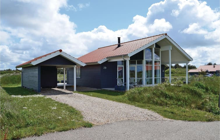 Holiday cottage with 3 bedrooms on 92m² in Ulfborg