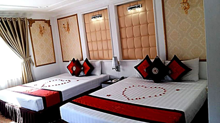 Thaison Palace Hotel- Deluxe City Views - Hanoi - Bed & Breakfast
