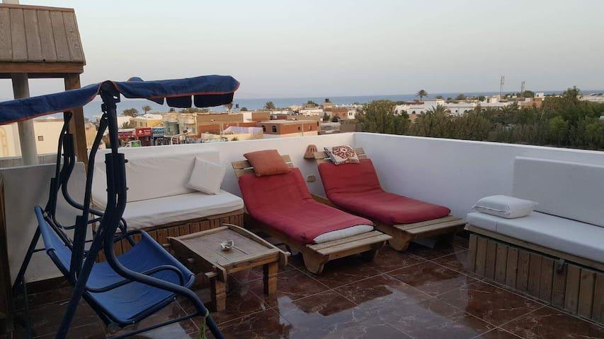 2 Bedroom,2 bathroom sea and mountain view terrace
