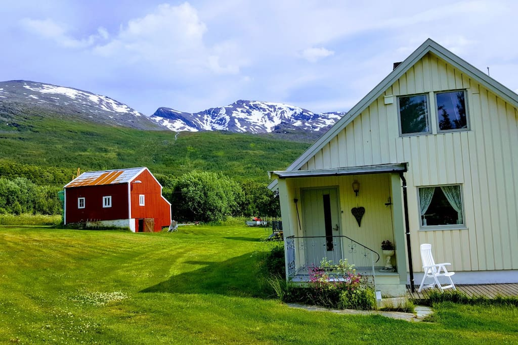 Summer time in North Troms. From the house you can start your hiking in beatifull mountain to ses area.