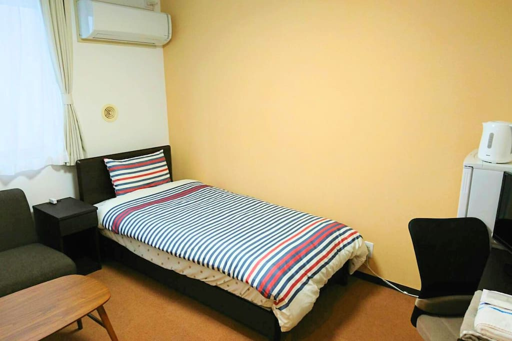 1×Single Bed, TV, Desk, Chair, Fridge, Electric Kettle, Room Closet, Bath/Shower Room Type-1