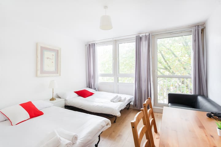 LOVELY SPACIOUS ROOM NEXT TO REGENT'S PARK