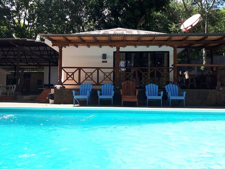 Casa en valle de Laguna de Apoyo. ALTAMIRA LODGE