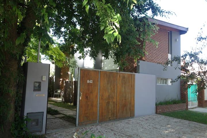 """Camarinal 2 """" Cómodos y acogedores espacios """""""