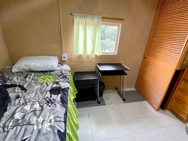 Habitación con todos los servicios.