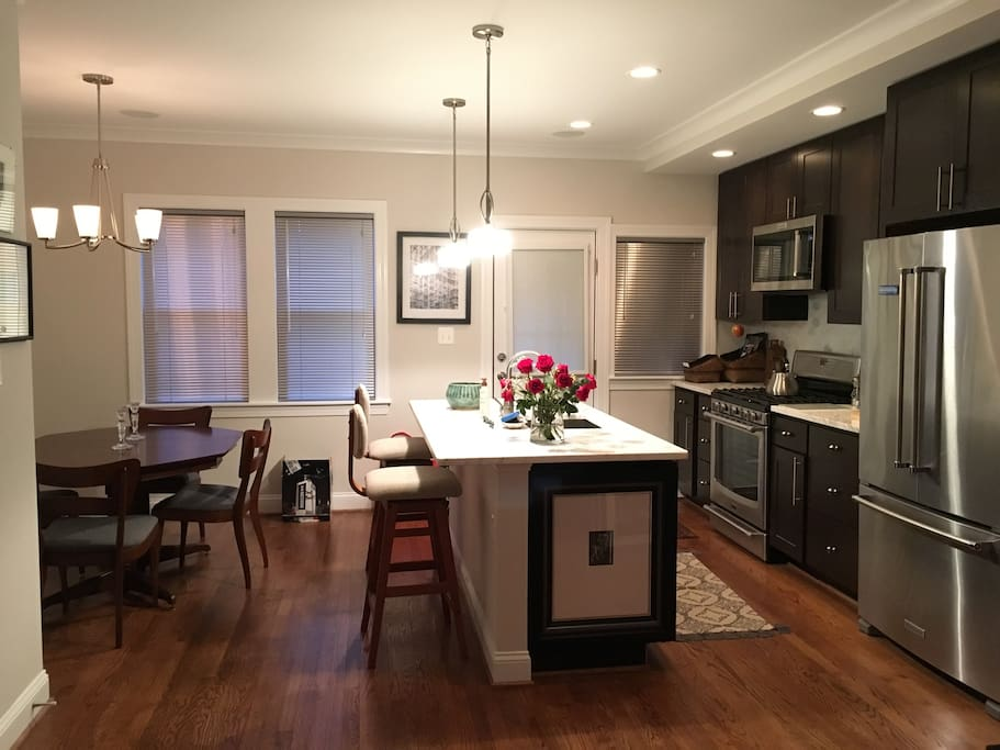 Full kitchen and dining available for your use