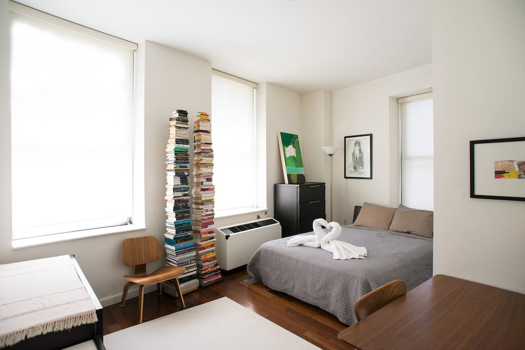 Huge room with private bathroom and work desk apartments for rent in new york new york for Rooms for rent in nyc with private bathroom