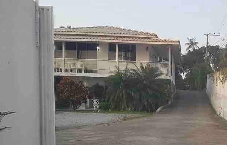 Casa Florianópolis beira da praia Cacupe