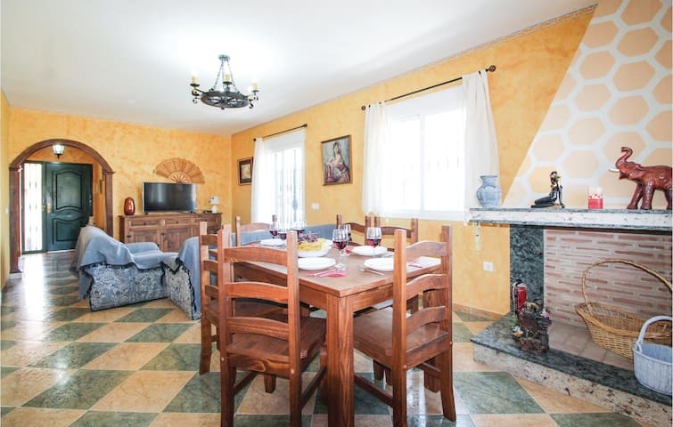 Holiday cottage with 3 bedrooms on 101m² in Torrox