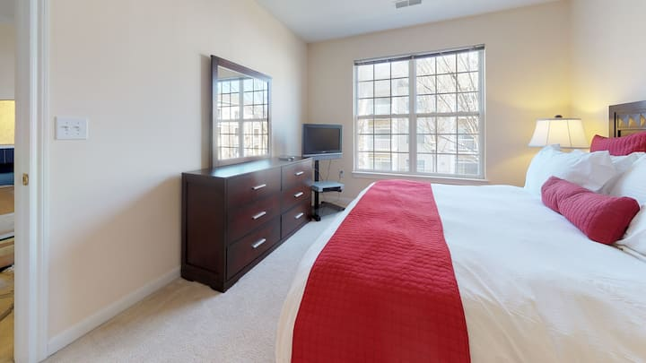 Spacious | One Bedroom Apt | Princeton NJ | by GLS