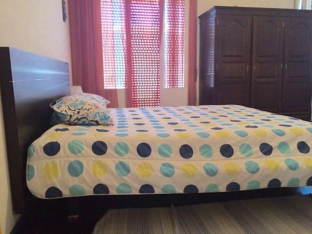 2 Guests ** Double bed*** - Ponta Delgada - Huis