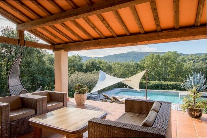 Villa calme absolu, piscine, tennis, jacuzzi