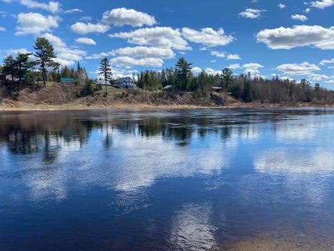 Location!Cabin Retreat on the S.W. Miramichi River