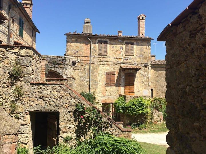Appartamento nel borgo di Castello di Tocchi