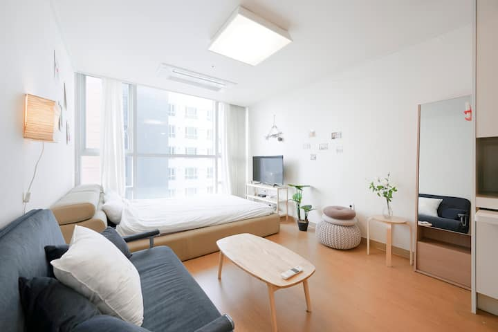 [Tom #2] Open sale.New cozy room. Near Hongdae.