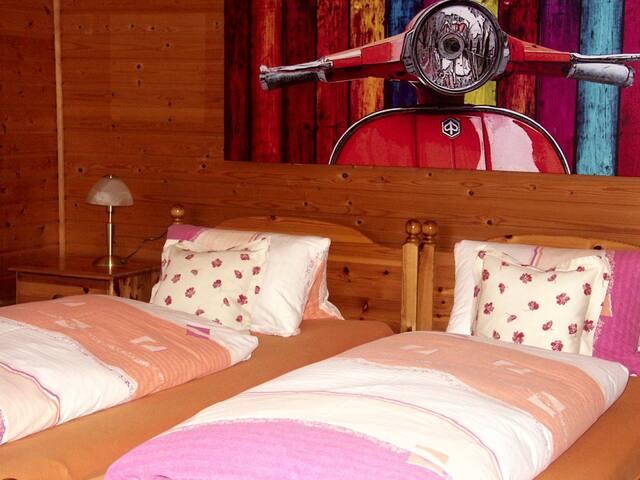 Pension Grasl (Hohenberg), Familienzimmer (80qm) mit WLAN