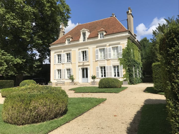 Luxurious 6 Bed/6 Bath Chateau in Burgundy
