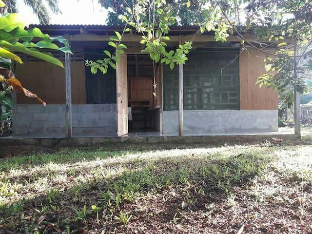 Abitacion el Guayabo. - Rancho Quemado de Osa puntarenas - กระท่อม