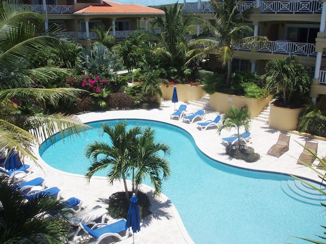 Family/Couple Getaway in Paradise-1BR by the Pool