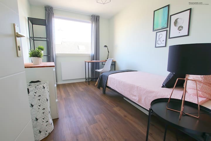 Fully-furnished room in a clean communal apartment