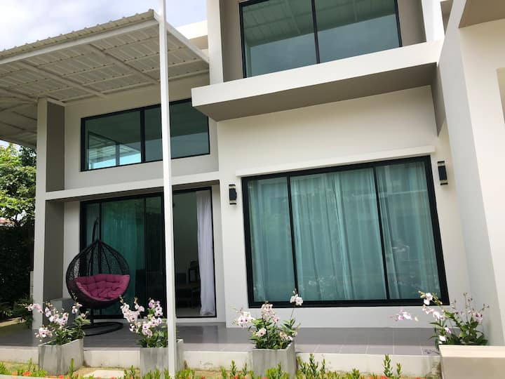 Luxury modern villa near beach Rayong