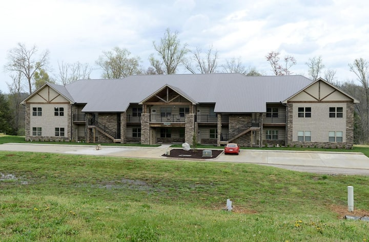 Two Bedroom Condo in Peaceful Townsend