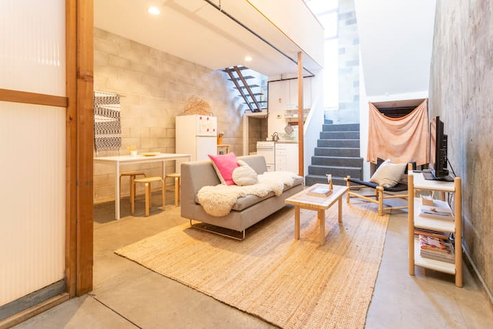 Tranquil Loft in Little Italy with Parking Spot