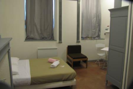 Appart'hôtel type studio centre ville de Gimont. - Gimont - Byt