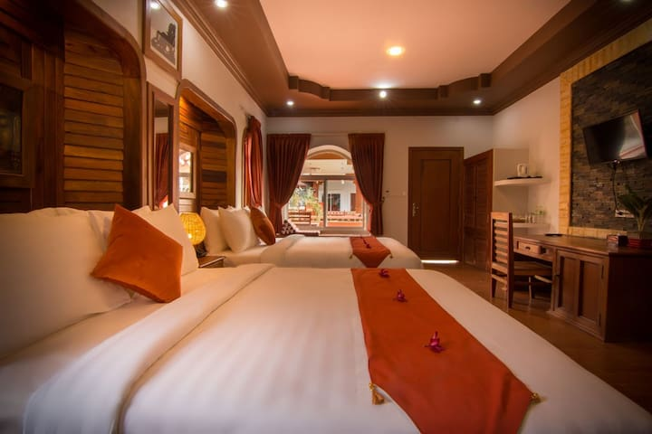 RAVORN VILLA BOUTIQUE AND RESTAURANT - Krong Battambang - Boutique-hotelli