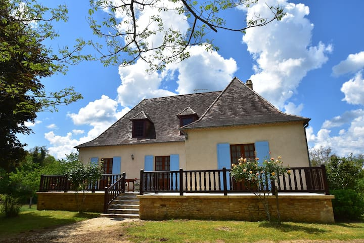 Holiday home with garden with fruit trees near Villefranche-du-Périgord (4 km)