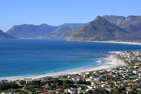 Surf and sunset single room sleeps2 - Cape Town