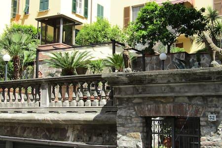 1. Studio&FreeParking in Central Station - La Spezia