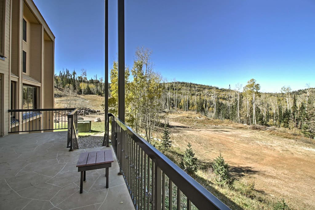This condo is perched on the mountain for easy access to all-season activities.