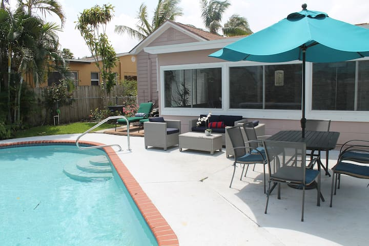 KEY WEST STYLE COTTAGE WITH POOL, LAKE WORTH BEACH