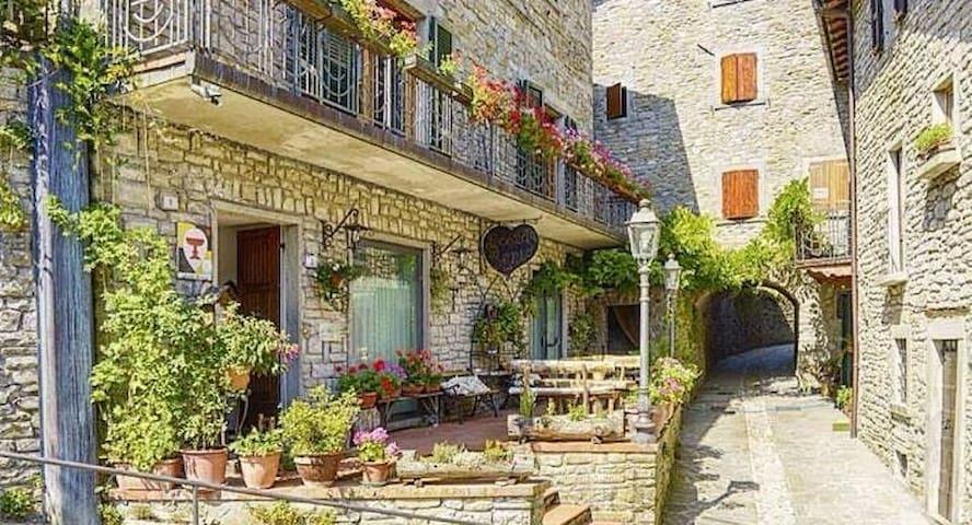 Dimora & piscina, spa, chef - borgo di montagna