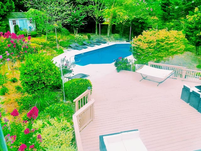 WATERFRONT OASIS W/ POOL IN NAT'L HARBOR-DC CLOSE