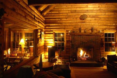 Vintage Log Cabin & Garden with Indian Lake Access - Millerton
