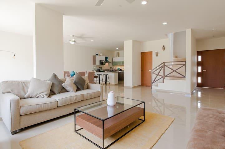 Beautiful & Tranquil Luxury Home Alegria