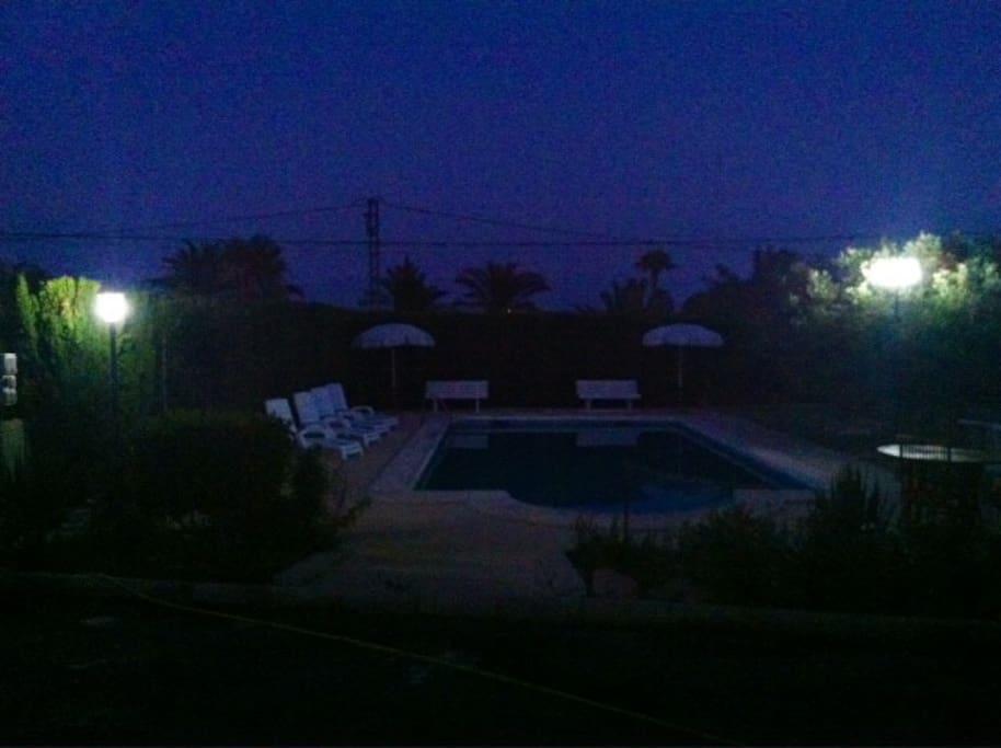 Santa pola elche chalet piscina privada barbacoa for Alquiler chalet piscina privada comunidad valenciana