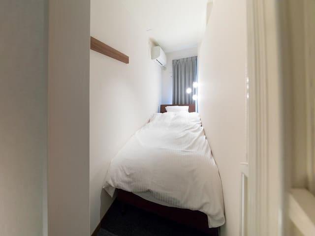 [10secs->Noda Sta.]1 bed in Female Dorm room