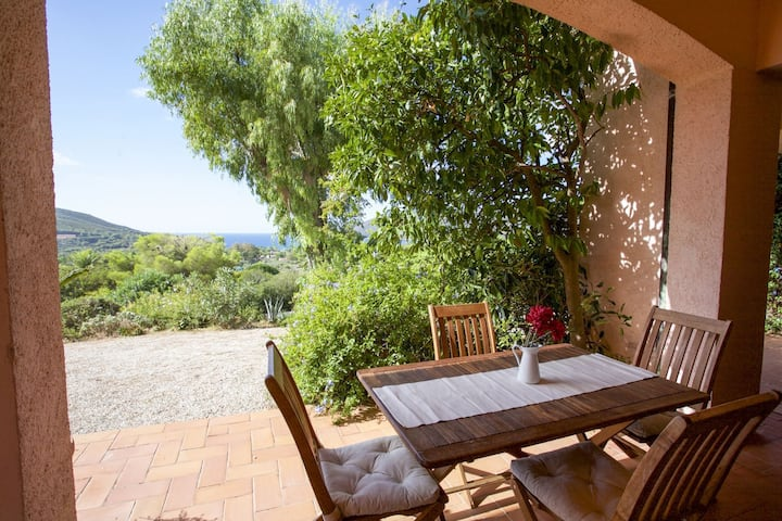 Villino Lacona 4/6 beds with sea view