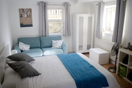 En-suite room by the sea - Swanage - House