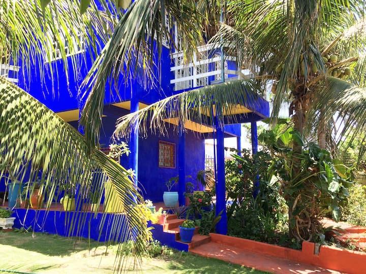 Sireia Suite em Canoa com  cozinha, wifi e jardim