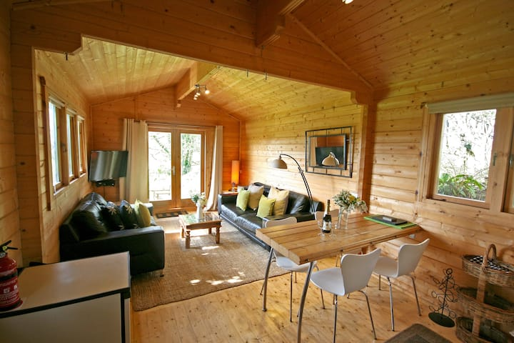 Self Catering Log Cabin in Devon with Hot Tub
