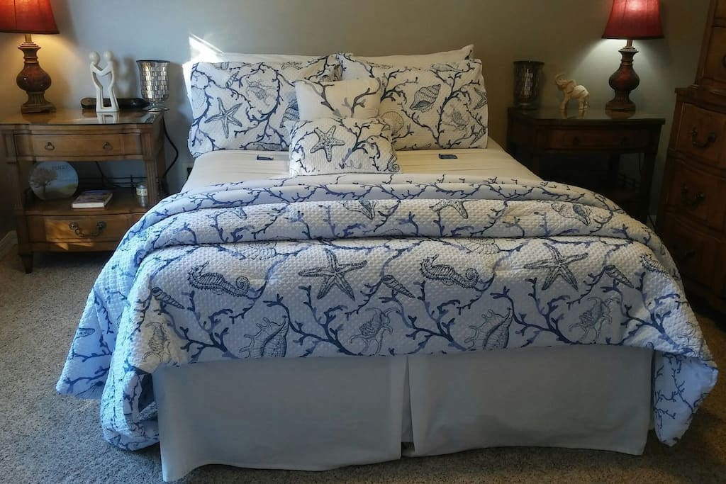 Full Size Bed with freshly pressed/cleaned linens in this Coastal Style home